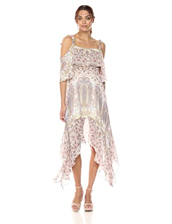 c3875ac39bcf8 Amazon.com: BCBGMAXAZRIA Women's Claire Woven Casual Dress: Clothing