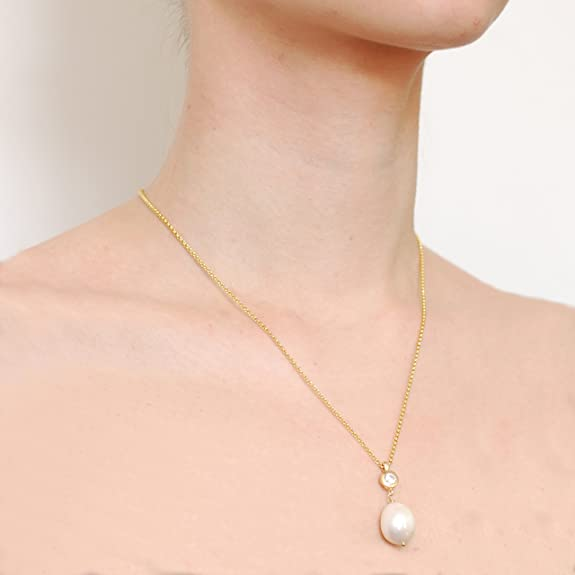 Dower & Hall Pearlicious Gold Plated White Topaz and Freshwater Pearl Pendant on Belcher Chain of 46cm Tj5Q2jT