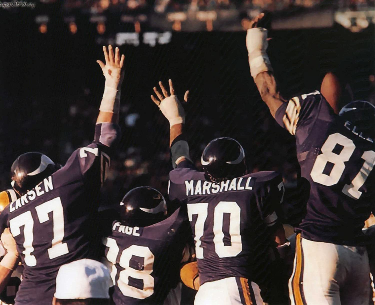 MINNESOTA VIKINGS PURPLE PEOPLE EATERS DEFENSIVE UNIT 8X10 HIGH GLOSSY SPORTS ACTION PHOTO M