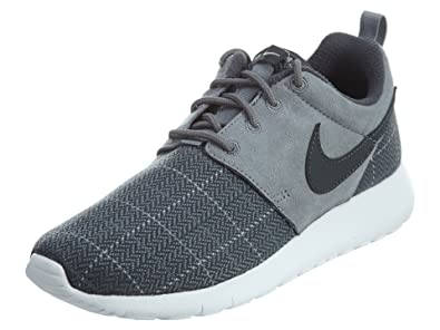 90d188c42cf Amazon.com  Nike Kid s Roshe One SE GS Shoes