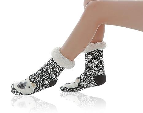 ebb1bf129 Women Slipper Socks Super Soft and Warm Fleece WYTartist Lined Socks Stripe  Cute Animals Winter Socks for Women and Girls (Black Bear)(Size  One Size)   ...