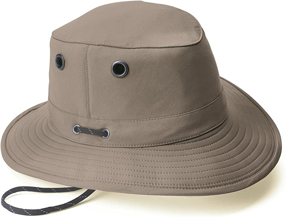 d88802d00a8 Tilley LT5B Lightweight Nylon Hat Taupe 71 2 at Amazon Men s Clothing store