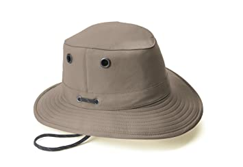 Amazon.com  Tilley LT5B Breathable Nylon Hat - Men s Taupe 7 ... e462fa21faa9