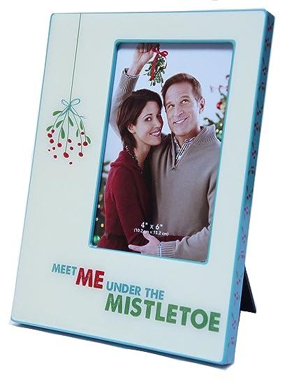 Amazoncom St Nicholas Square Meet Me Under The Mistletoe 4 X