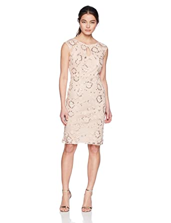 7bfd365f928 Alex Evenings Women s Petite Embroidered Cocktail Dress with Keyhole Cutout  at Amazon Women s Clothing store