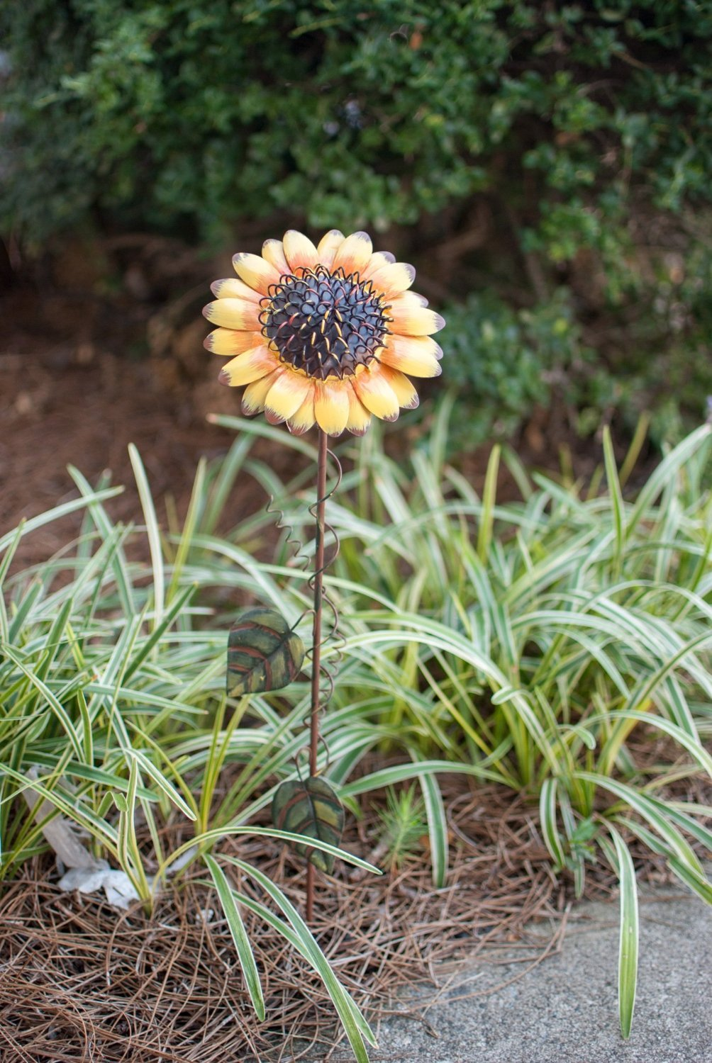 Grace Home Metal Sunflower Garden Stake Large Flower Patio Lawn Yard Stake Decor by Grace Home (Image #3)