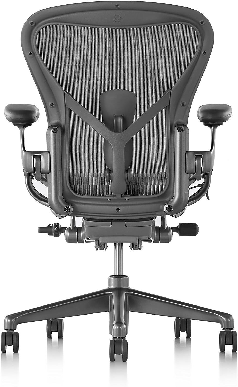 Herman Miller Aeron Remastered Office Chair Size B Graphite Posturefit Sl Vinyl Arm Rests Amazon De Burobedarf Schreibwaren