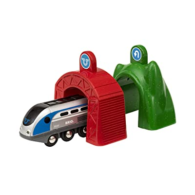 Brio World Smart Tech - 33834 Smart Engine with Action Tunnels | 3 Piece Train Toy with Accessories for Kids Ages 3 and Up: Toys & Games