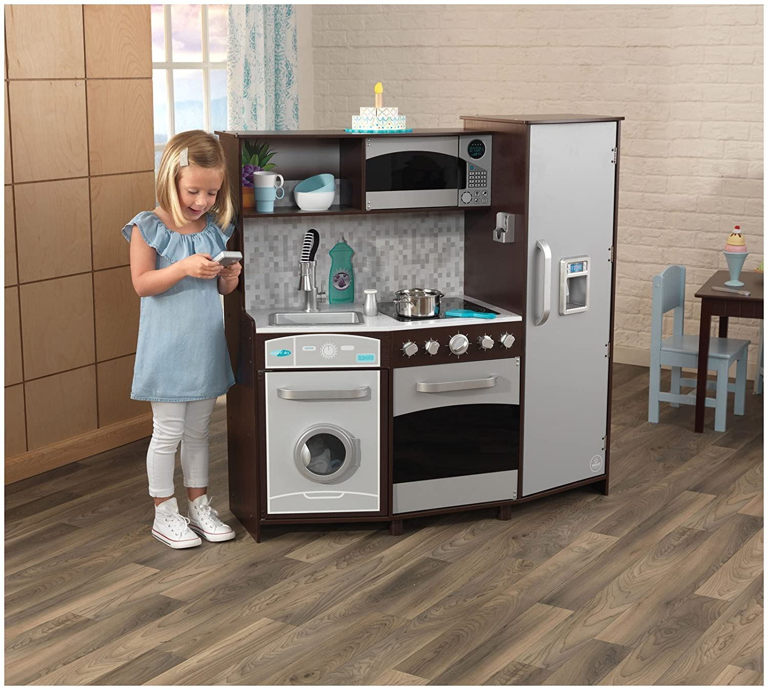Espresso KidKraft Large Play Kitchen with Lights /& Sounds