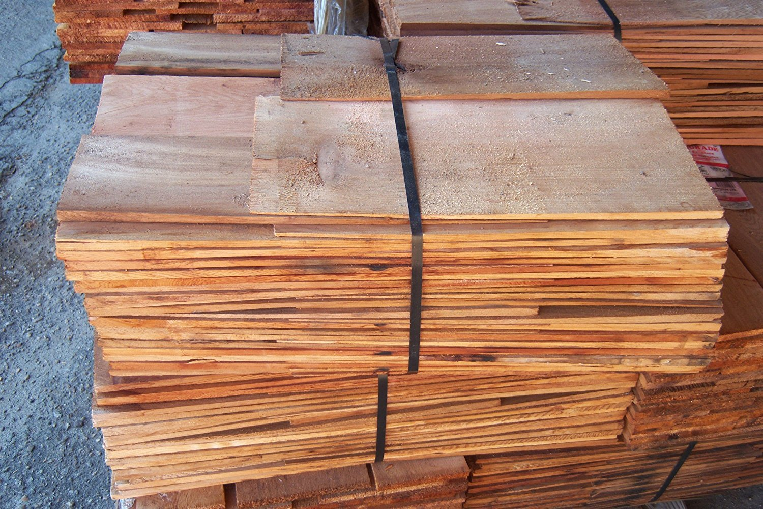 Western Red Cedar Shingles Red Label in Contractor Packs [CAPITOL CITY LUMBER] by AMAKE