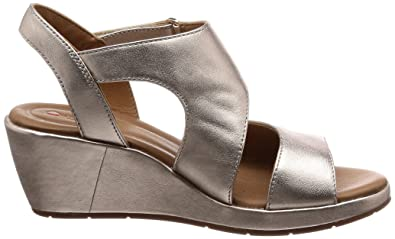 7b7b00efd Clarks Womens Gold Leather  Un Plaza Sling  Mid Wedge Heel Sandals   Amazon.co.uk  Shoes   Bags