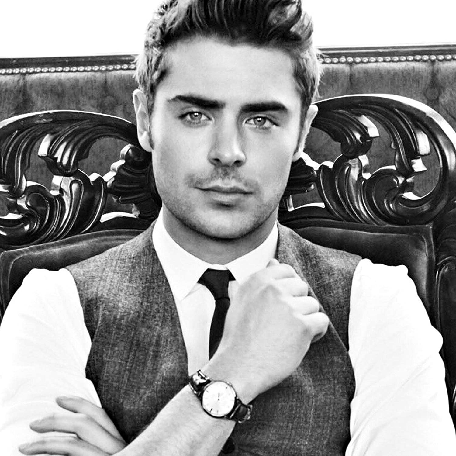 Print 12 X 18 Inch Ultra HD Multicolour Unframed Rolled Great Wall D/écor Unique Poster/'s Actor Zac Efron Poster