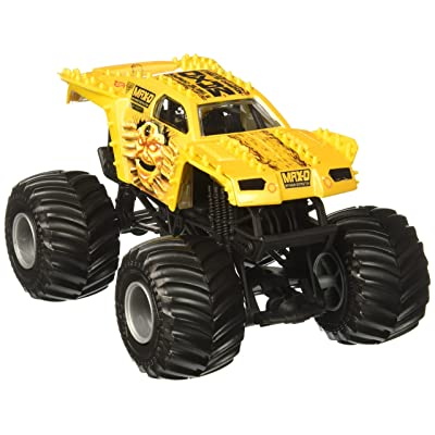 Hot Wheels Monster Jam Max-D Vehicle, Gold 1:24 Scale: Toys & Games