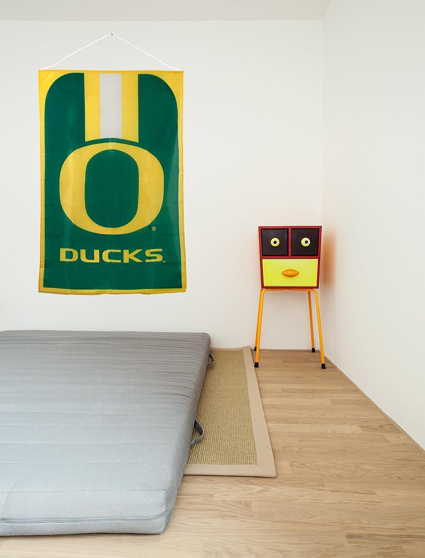 MLB Oregon Ducks Team Fan Flag
