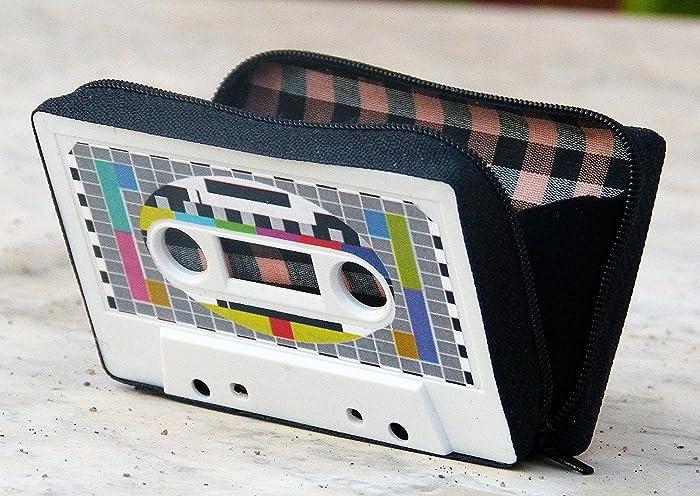 Monedero handmade hecho con cinta de cassette modelo carta de ajuste