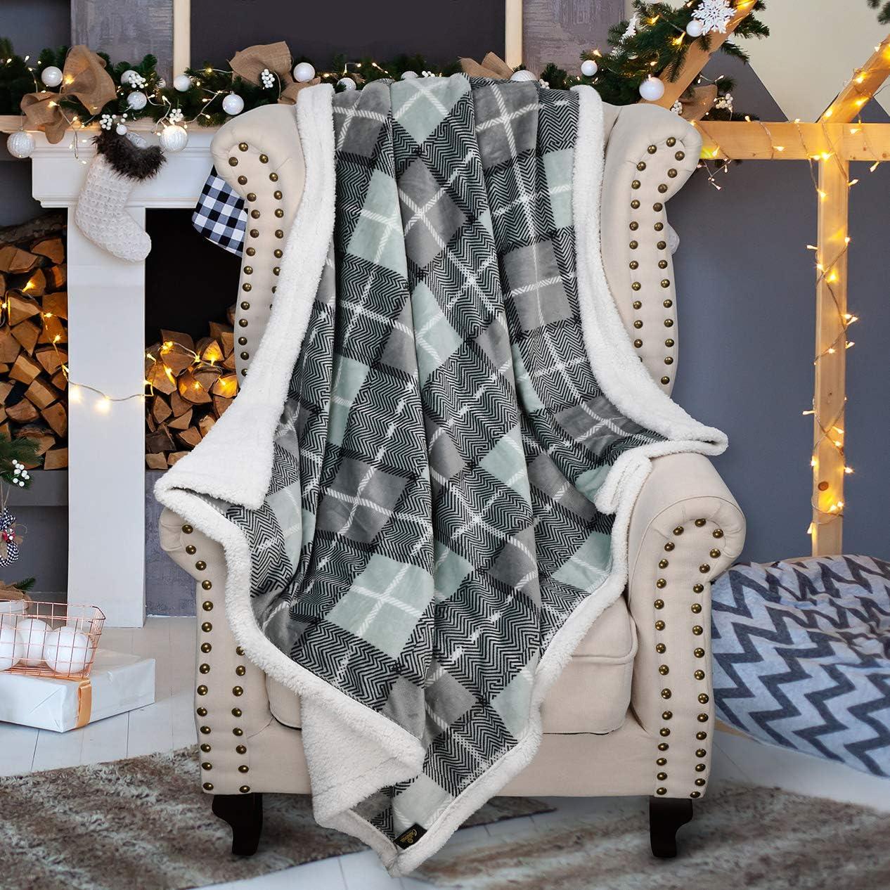 Grey Buffalo Plaid Christmas Throw TV Sherpa Blanket 50