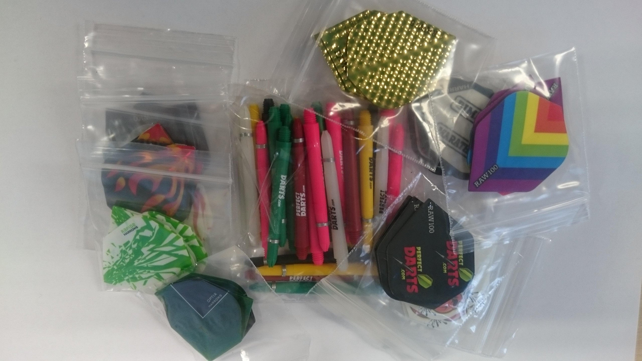EXTRA FREE ACCESSORY .. SPECIAL OFFER 30 DART FLIGHTS /& 30 DART STEMS MIXED