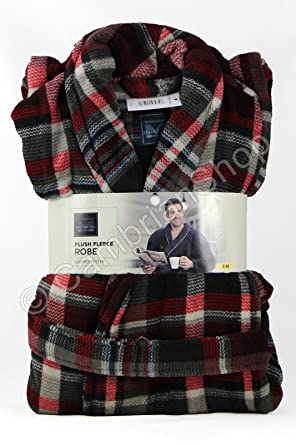 Majestic Mens Plush Fleece Robe Red Plaid Dressing Gown (S-M)   Amazon.co.uk  Clothing 1295eeabf