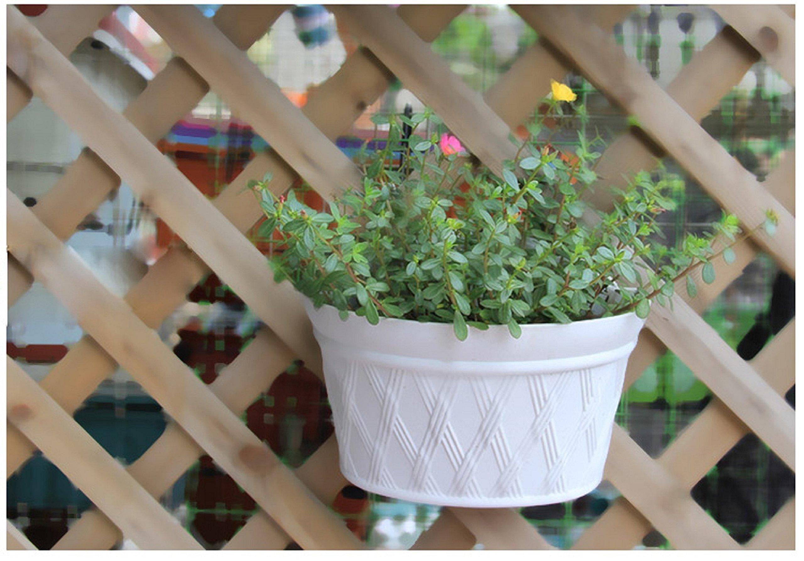 Mr.Garden 12 Inch Plastic Wall-Mounted Planter, 1pack (Light Grey)