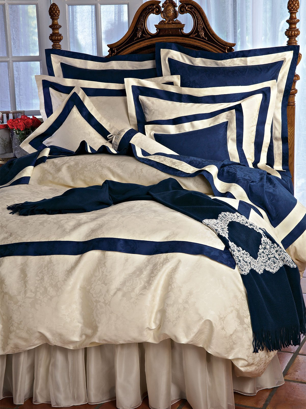 Majesty Duvet Covers (Comforter Covers), Navy/Ivory (King, each)