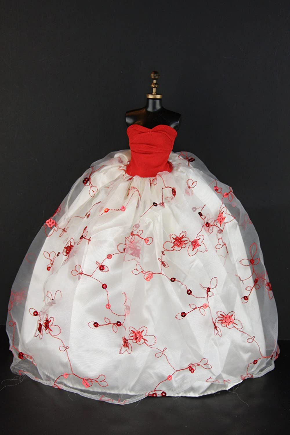 Elegant White Gown with Red Accents and Sequins Made to Fit Barbie Doll Olivia/'s Doll Closet SG/_B002EQZTK4/_US