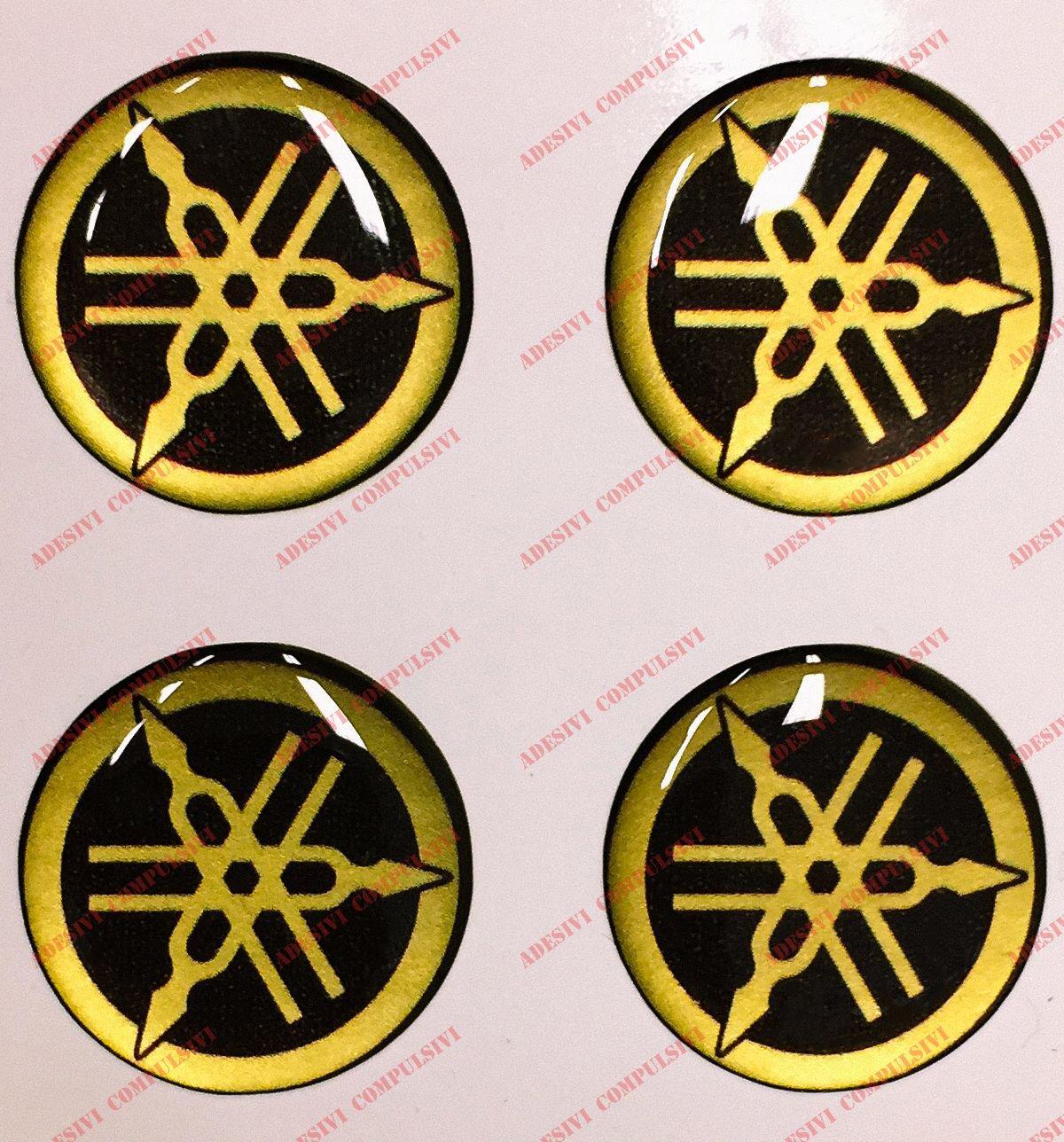 Stemma logo decal YAMAHA, kit di 4 adesivi resinati, effetto 3D. Colore: nero - oro. Per SERBATOIO o CASCO Adesivi Compulsivi