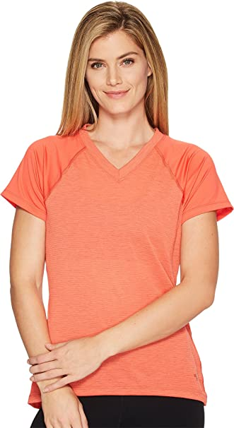 137053ca3 The North Face Women's Reactor V-Neck Short Sleeve Shirt Cayenne Red (Prior  Season) Large at Amazon Women's Clothing store: