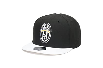 60a79170d6e Amazon.com   Fi Collection Juventus Team Snapback Hat   Sports ...