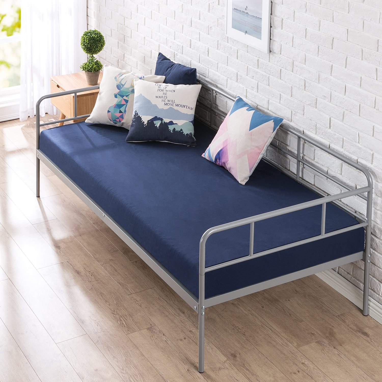 Zinus Leo 39 Inch Twin Daybed Frame / Premium Steel Slat Support by Zinus