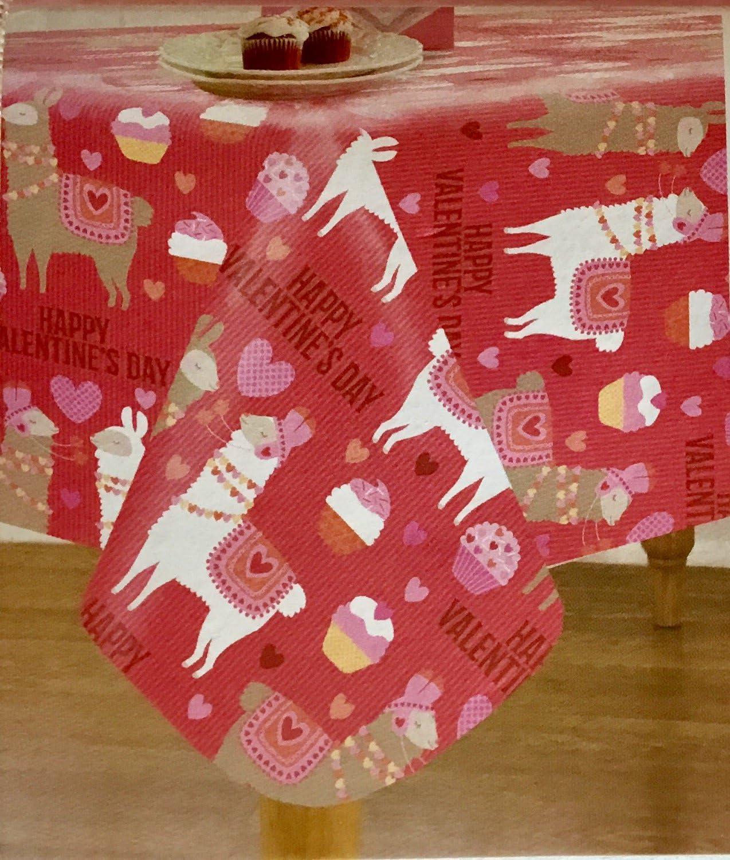 "Valentine/'s Day Hearts /& Love Wording Vinyl Peva Tablecloth  70/"" round"