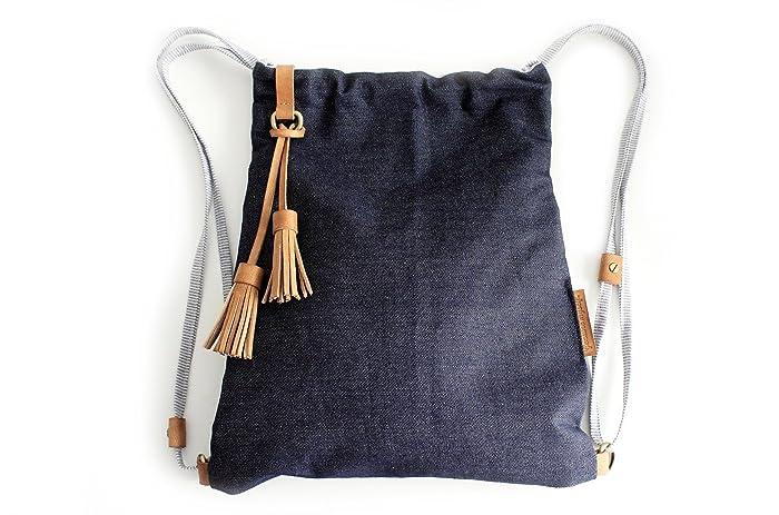 Vale BACKPACK, mochila tela vaquera y cuero, azul. Personalizada con tus iniciales.