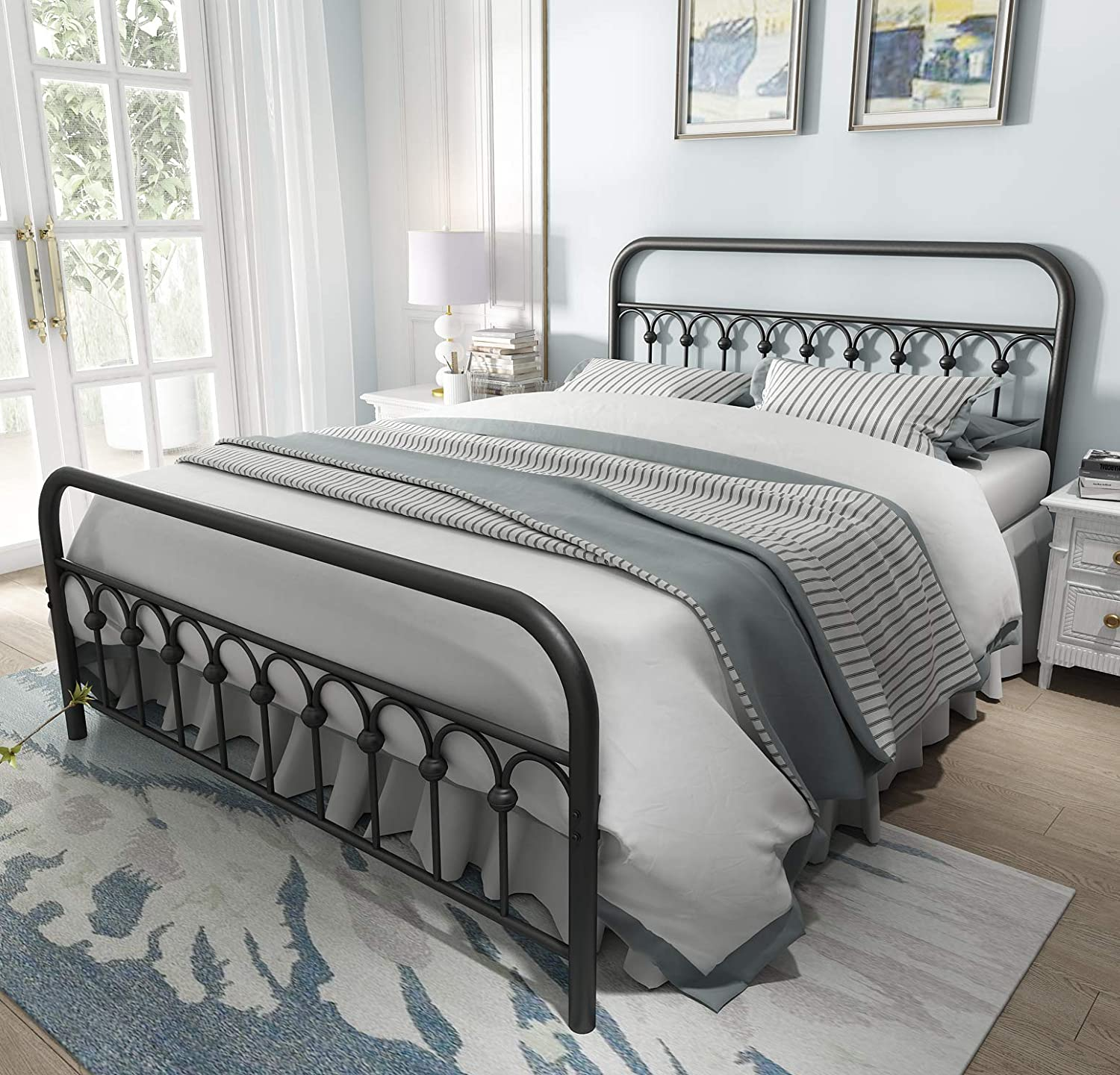 Vintage Sturdy Queen Size Metal Bed Frame with Headboard and Footboard Basic Bed Frame No Box Spring Needed (Queen,Black)