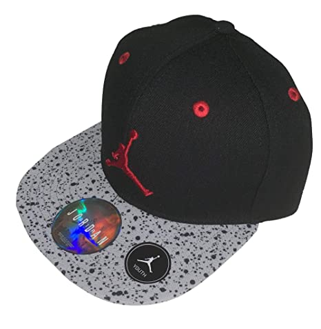 4270c814de6add Amazon.com  Nike Youth Boys Jordan Jumpman Retro 5 Snapback Hat 8 20   Sports   Outdoors