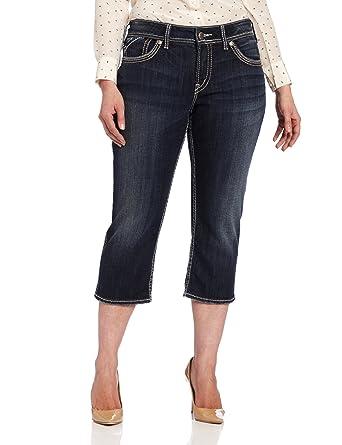 dc6253800a3 Amazon.com  Silver Jeans Women s Plus-Size Mckenzie Flap Capri Jean ...