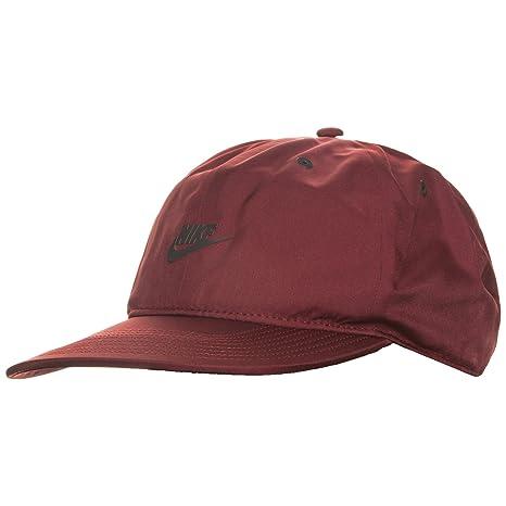 Amazon.com  NIKE Aerobill Vapor Pro Tech Adjustable Cap 851653 619 ... be429a9e852