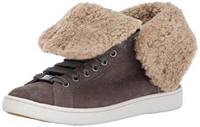 a827ec328860c2 UGG Starlyn Black Leather Sheepskin Trainer  Amazon.co.uk  Shoes   Bags