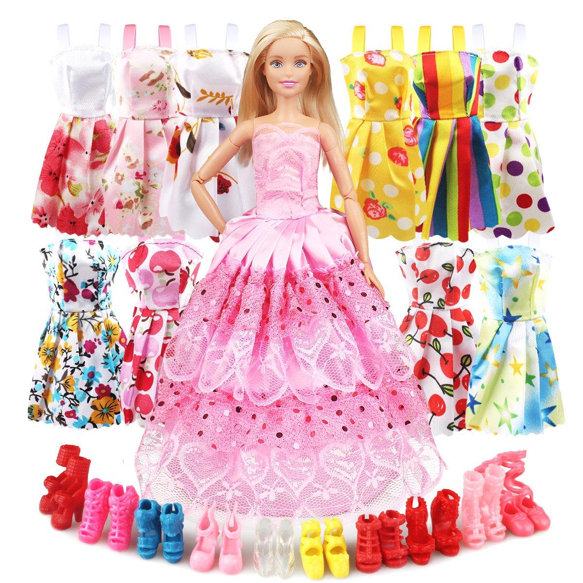 Eligara 人形用服とアクセサリー ベビー人形用服 ドレスシューズセット 10足パック 人形用パーティー衣装 裁縫ドレス1着と人形用シューズ10足 女の子の誕生日用 B07NVL1TMM