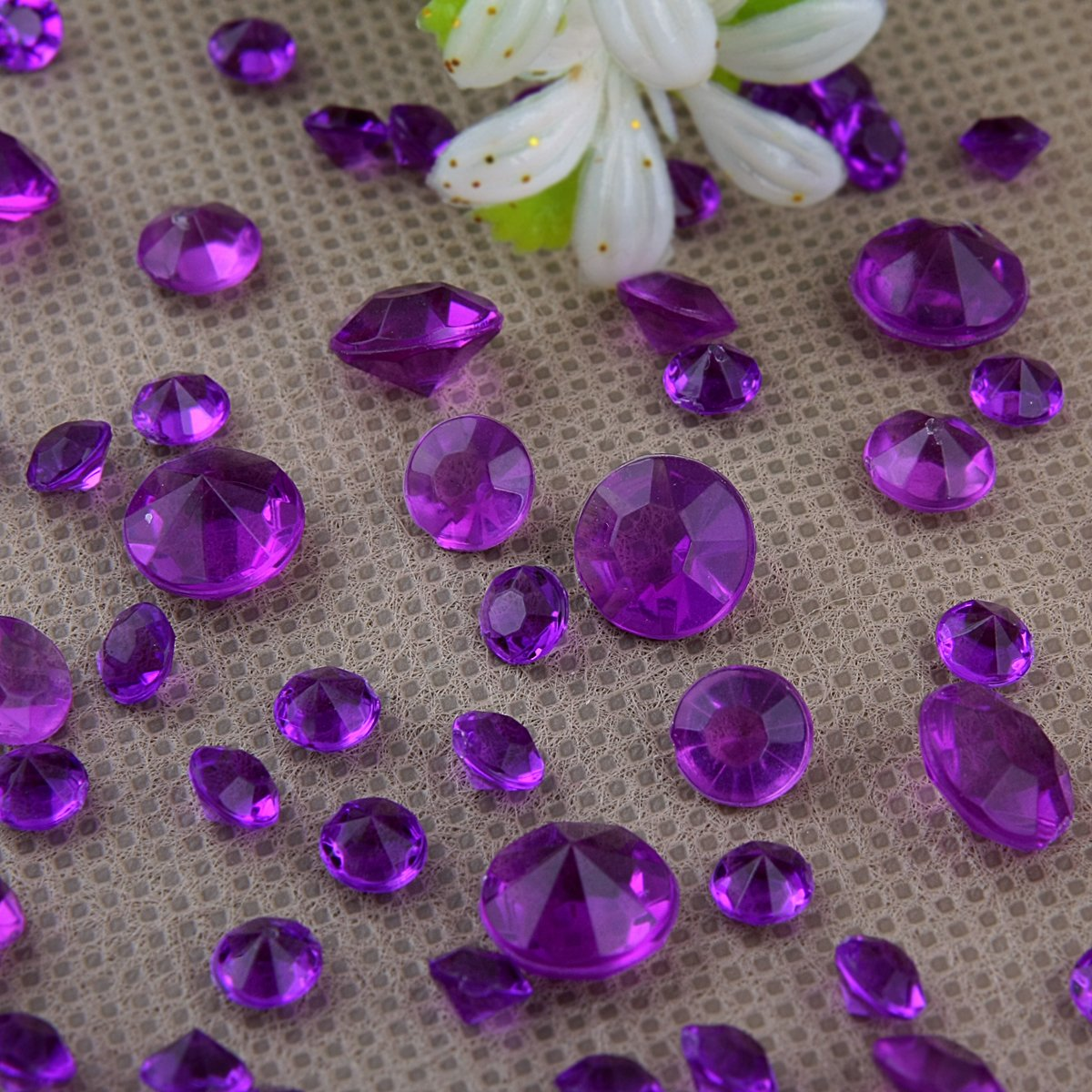Purple table decorations amazon 5000 diamond scatter crystals confetti wedding table decoration 2 mixed sizes deep purple junglespirit Image collections
