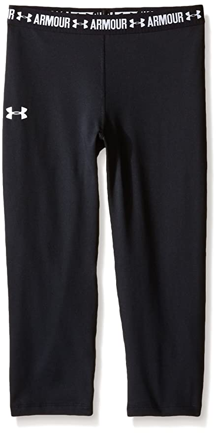b68b7165b8 Amazon.com  Under Armour Girls HeatGear Armour Solid Capri  Sports ...