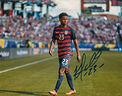 Kellyn Acosta Signed Photo -     MLS 8X10 W COA TEAM USA PROOF  1 ... b404ae423