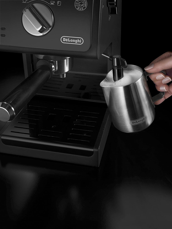 Milch schäumen mit Espresso Siebträgermaschine De'Longhi ECP31.21