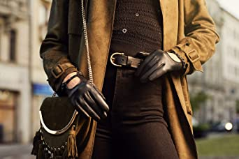 305d1fdd3afaaa napo gloves napoROCK - modische Touchscreen Lederhandschuhe mit Nieten für  Damen aus Lammnappa Leder in Schwarz mit Herbst Fütterung: Amazon.de:  Bekleidung