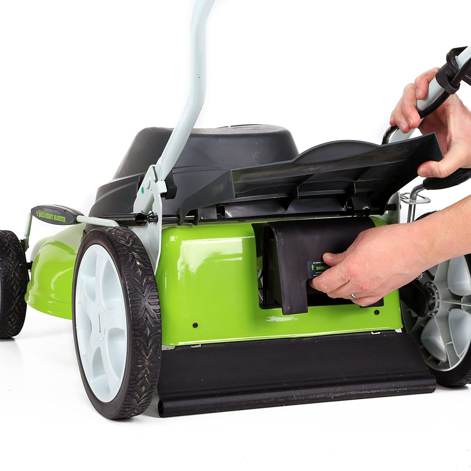 GreenWorks 25022 12 Amp Corded 20-Inch Lawn Mower for medium and large yards