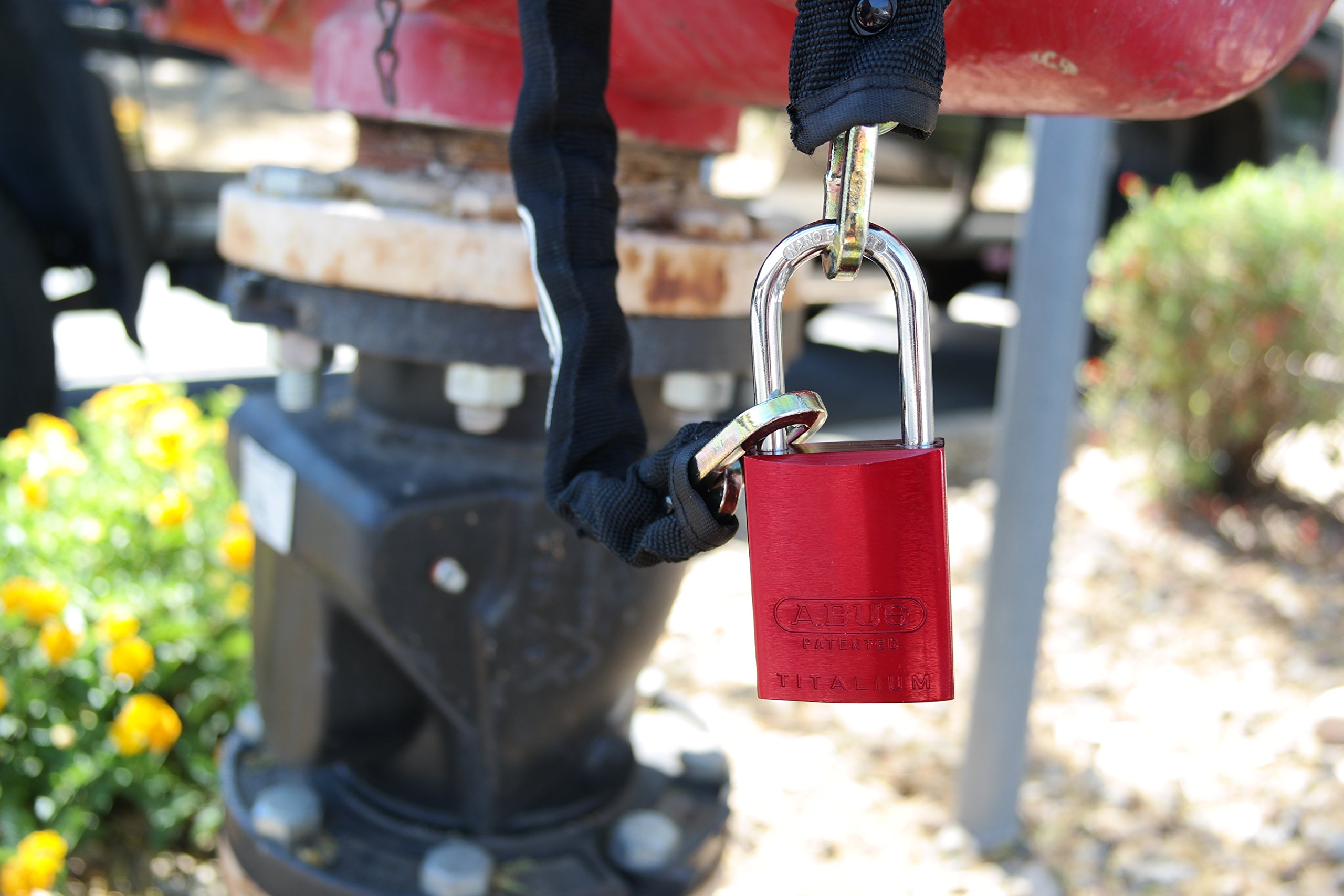 ABUS 83AL-IC/40 S2 SFIC Small Format Interchangeable Core Aluminum Rekeyable Padlock w/o core with 1.5-Inch Shackle, Red