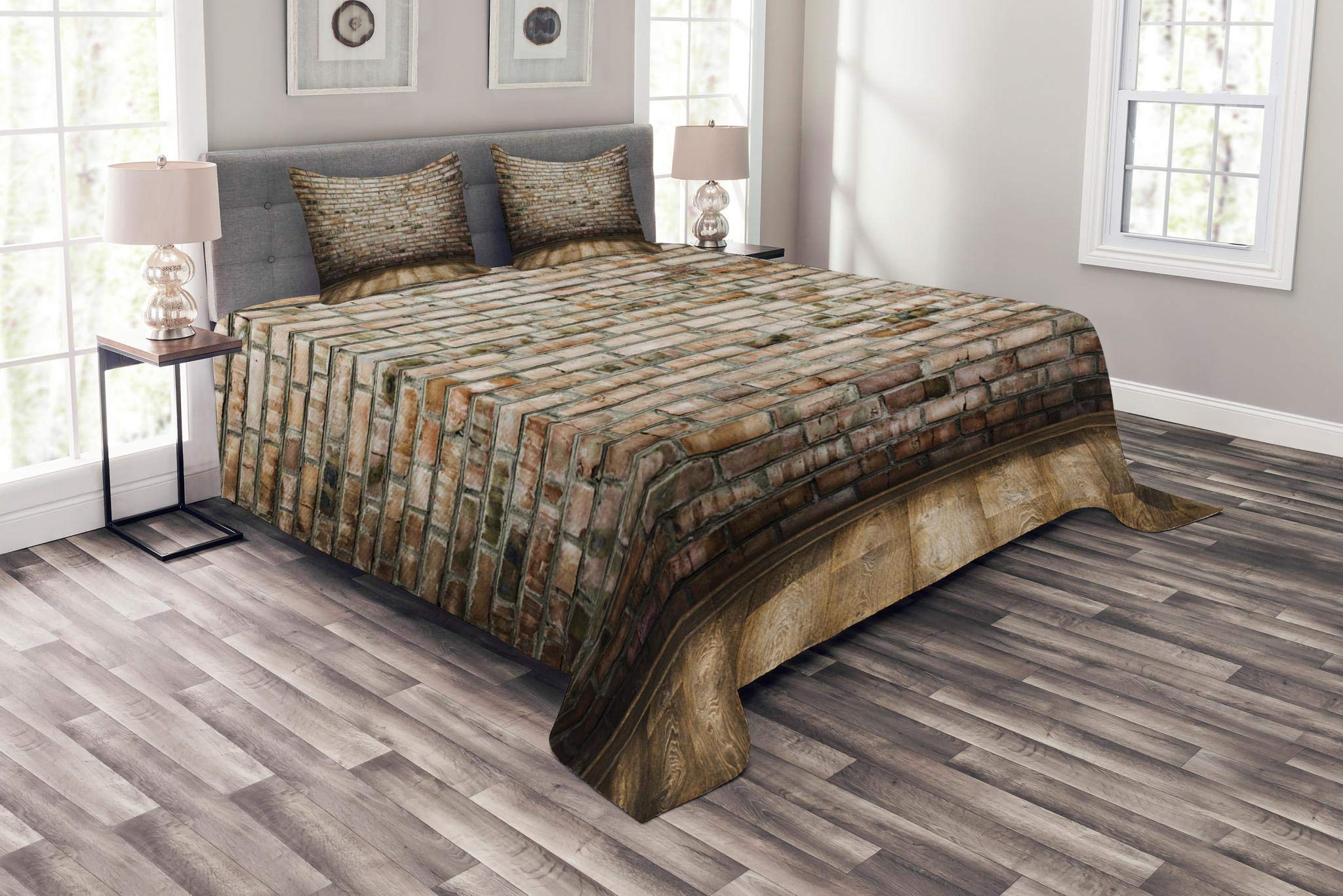 Lunarable Brick Wall Bedspread Set King Size, Ancient Room Interior with Wood Floor Vintage Faded and Stained Brick Print, Decorative Quilted 3 Piece Coverlet Set with 2 Pillow Shams, Multicolor
