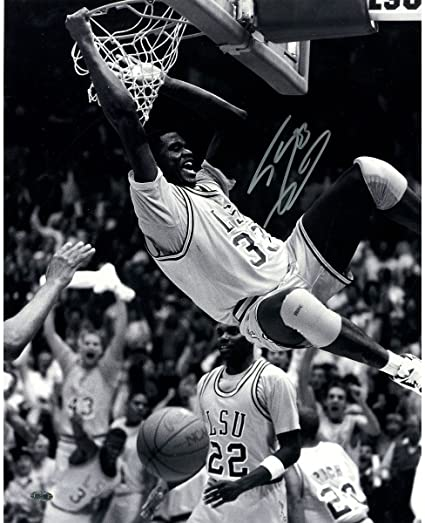 0106e302292 Shaquille O'Neal signed LSU two handed dunk in B/W 16x20 Photo at ...