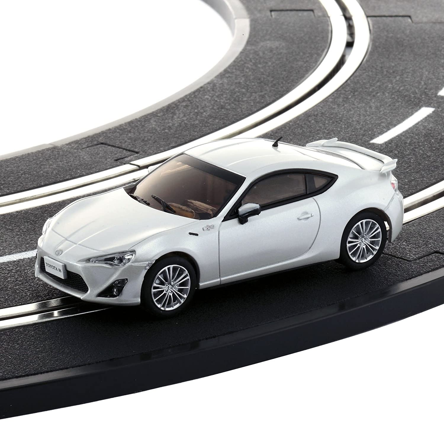Dslot43 RTR TOYOTA 86 blanco pearl D1431090102 by Kyosho