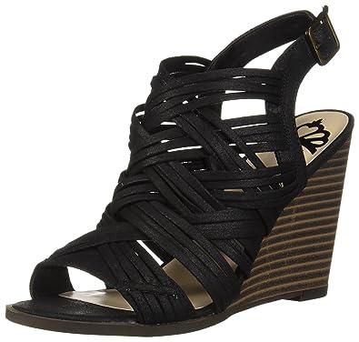 eb6fb7528308 Amazon.com  Fergalicious Women s Howdy Wedge Sandal  Fergalicious  Shoes