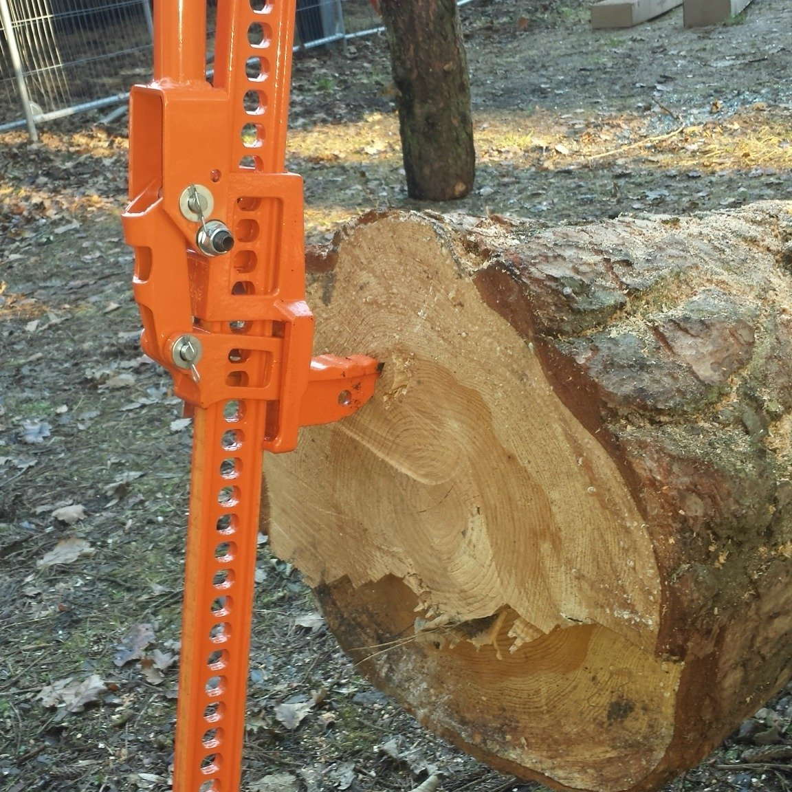 FOREST MASTER FM3-LP 3 TON LOG LIFTER TREE PUSHER STUMP REMOVER FARM JACK TREE JACK LOG MOVER