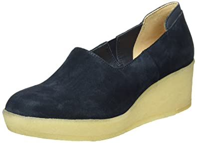 855f1abb43f3 Clarks Originals Women s Athie Luna Plateau Shoes